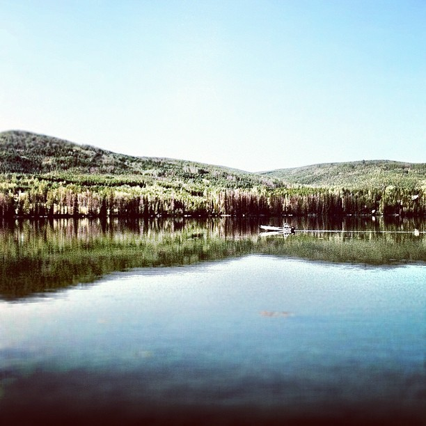 The lake #instagram #iphoneography #iphonesia #photooftheday #iphone #iphoneonly #jj #instagood #iphone4 #ig #igers #instagramhub #popular #instamood #explorebc #lake #bc #boats #britishcolumbia #fishing (Taken with Instagram at Lac le Jeune Provincial Park)