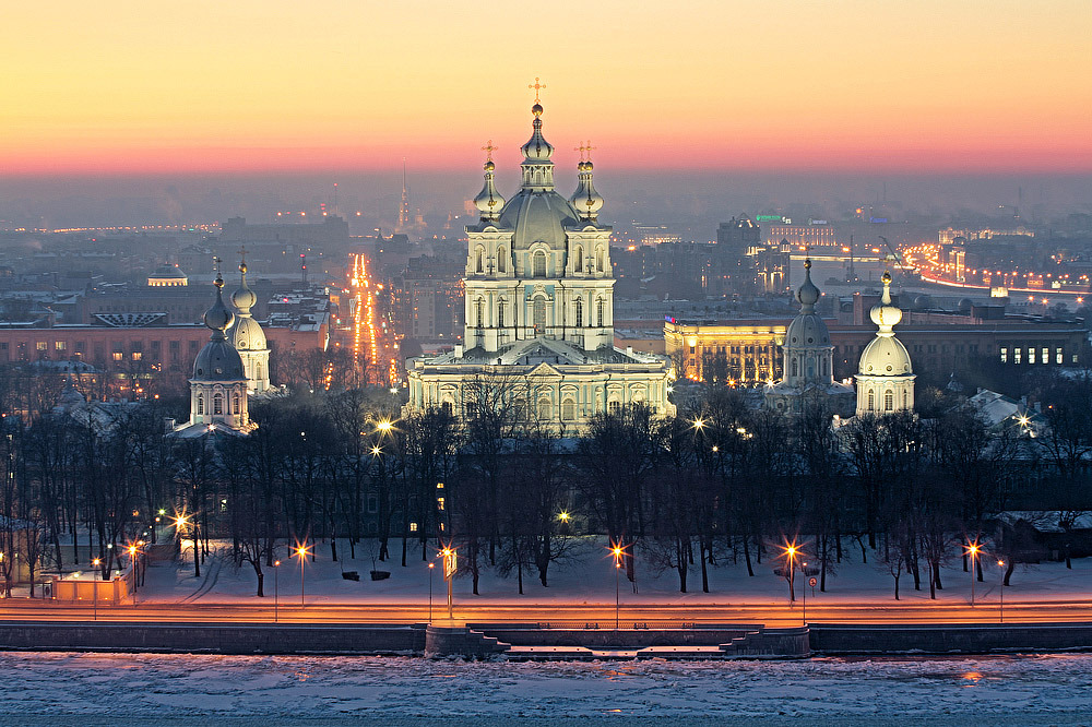 Smolny Cathedral, St. Petersburg, Russia (by Palestinian)