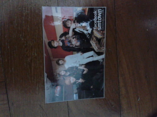 Artist:shinee type:photocard(laminated)  genre:kpop info:unused swap:no price:$2 shipping:$1 location:Singapore preferred, international ok contact:jennaoy@gmail.com