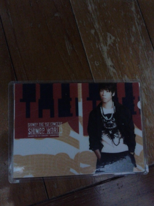 Artist:shinee(jonghyun) type:photocard(laminated) Genre:kpop info:new swap:no price:$2 Shipping:$1 location: Singapore preferred, international ok contact: jennaoy@gmail.com