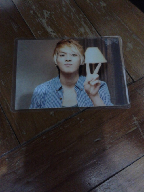 Artist:shinee(jonghyun) type:photocard(laminated) genre:kpop info:new swap:no price:$2 shipping:$1 location:Singapore preferred, international ok contact:jennaoy@gmail.com