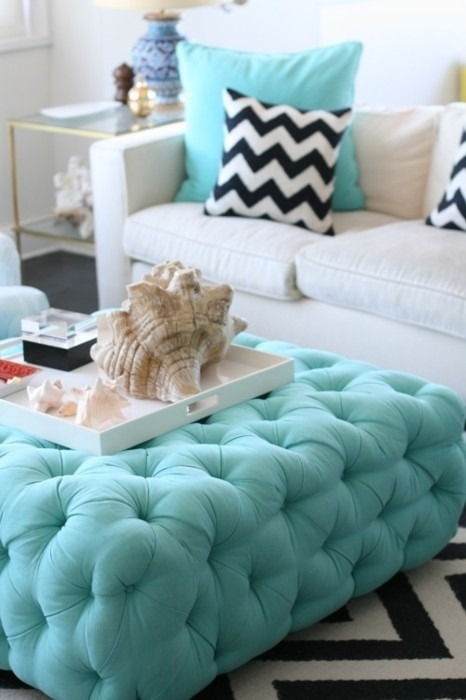 inspiringdesigns:  I'm in love with this ottoman.