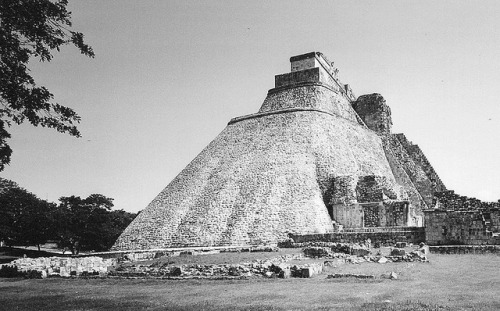 18 Uxmal piramide dell'indovino, Yucatan, Messico,  agosto 2005 by tango- on Flickr.