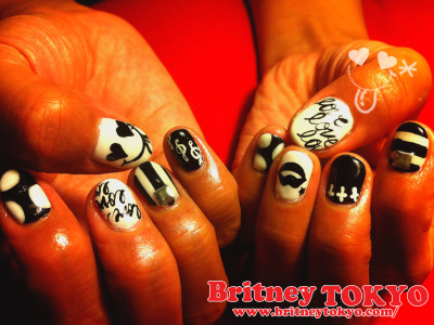 Black and White love♡love♡love nail art by Britney TOKYO ☆ ✌ ✿ ✡ ✟ ☺ ✞ TOKYO meets HOLLYWOOD ✞ ☺ ✟ ✡ ✿ ✌☆ http://britneytokyo.tumblr.com/