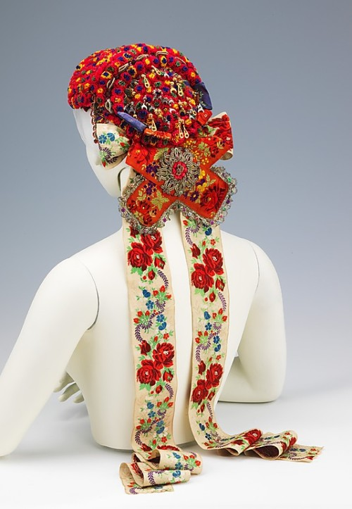 non-westernhistoricalfashion:  Headdress1950–65Hungary