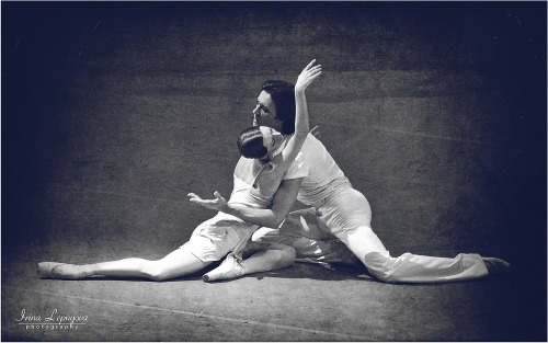 Nina Kaptsova and Ruslan Skvortsov in The Golden Age. Photo (c) Irina Lepnyova.