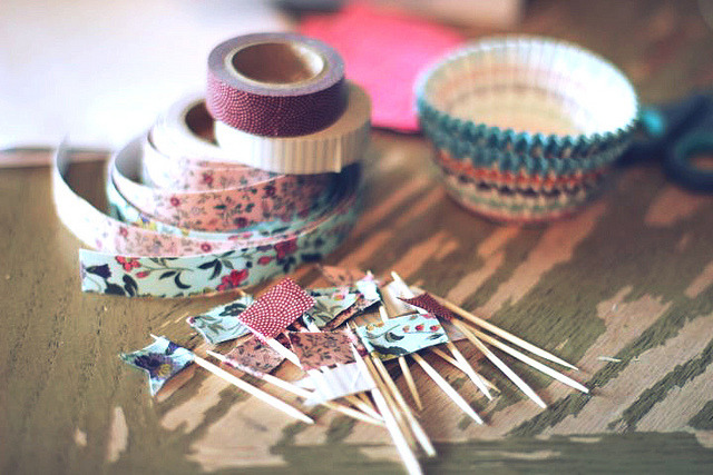 pampong:washi tape cupcake toppers by linsters on Flickr.