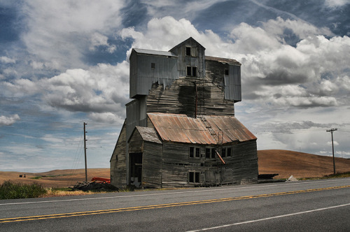 handa:  Decay on the Palouse, a photo from Washington, West | TrekEarth