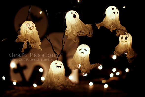 Halloween Ghost Lights via(craftpassion)