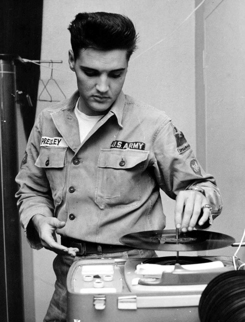 theniftyfifties:  Elvis in the army.   be still my heart.