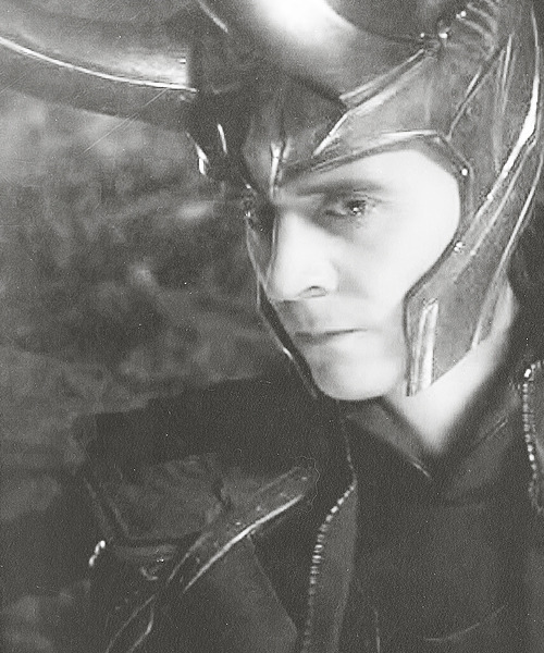 wolf-loves-hiddles:  And this is why us Hiddlestoners have all these Loki feels… In THOR it was THAT deleted scene between Loki and Frigga over the sleeping image of his father when he was told to be king in place of Thor who had been banished… (Not even going to bring up the scene between Loki and Odin!) In this scene (image above) we see the power The Other (ultimately Thanos) has over Loki.  He tried to take over the world but was he truly in control?  He lacked conviction (as stated by Agent Coulson).  Later Thor begged him to switch sides and Loki admitted to Thor (convincing himself along the way) that there was no stopping it… Oh dear, I feel so much for poor Loki.   Gut wrenching pain… all these feels… Loki just needs a hug!