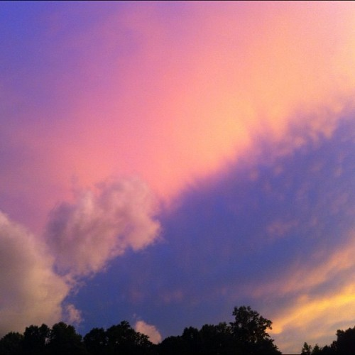 teretsai:  ☁☁☁ #pink #sky #clouds #raleigh #nofilter (Taken with Instagram)