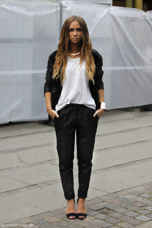 what-do-i-wear:  Pants, H&M Trend. Shoes, Zara. T-shirt, Topshop. Jacket, Weekday. Necklace and bracelet, Lindex. Smaller bracelets, Erica Weiner/Wildcouture.se. (image: lisaplace)