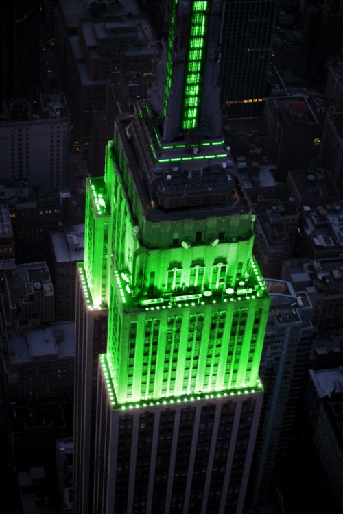 The Empire State Building Glows Green for Eid On their Facebook page:  We will shine our tower lights in green this weekend to honor the holiday Eid-al-Fitr.  Such a wonderful gesture.