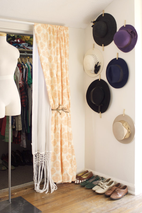 DIY Clothespin Hat Display!