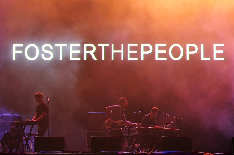 I loveeee foster the people :)