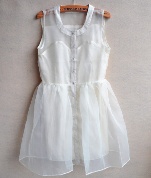dirtylittlestylewhoree:  ugghh how perfect is this white dress