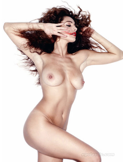 Kelly Brook. Naked.