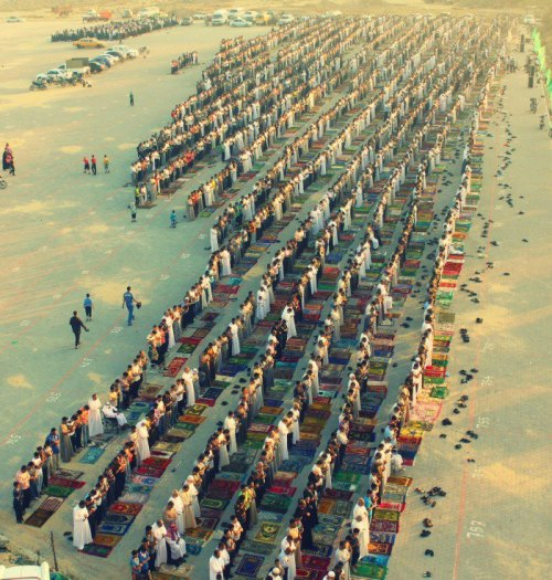 alyibnawi:  Eid prayers in the Nuseirat refugee camp in the central Gaza Strip.