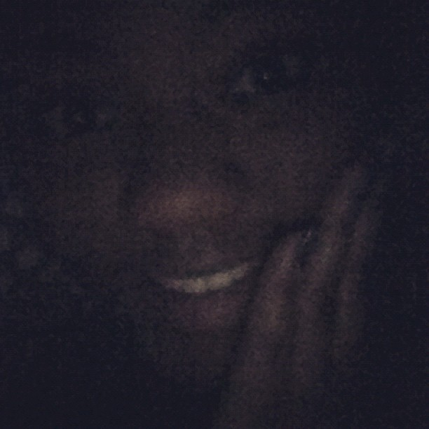 #pikaboo #polkadots #bigeyes #smile #latenight #earlymorning #cantsleep going to see @kakaitlyn soon!! #excited #jamming to #adorn #miguel  (Taken with Instagram at in my room)