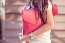 chicfactor:  Pink Huge Clutch