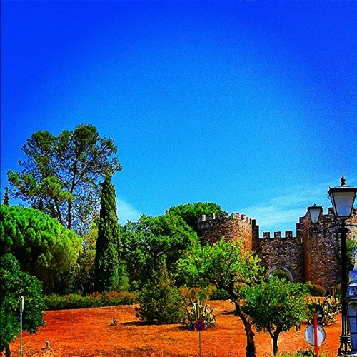 Estremoz's #castle view. #city #monument  #history #architecture #statigram #street #streetphotography #webstagram #instagram #bestpicoftheday #bestoftheday #travelingram #talented_igers #tagstagram #photooftheday #picoftheday #trees #sky #instagramhub #instagrammers #ig #igers #ignation #places #fromwhere #view #pic #photo #eavig (Taken with Instagram)