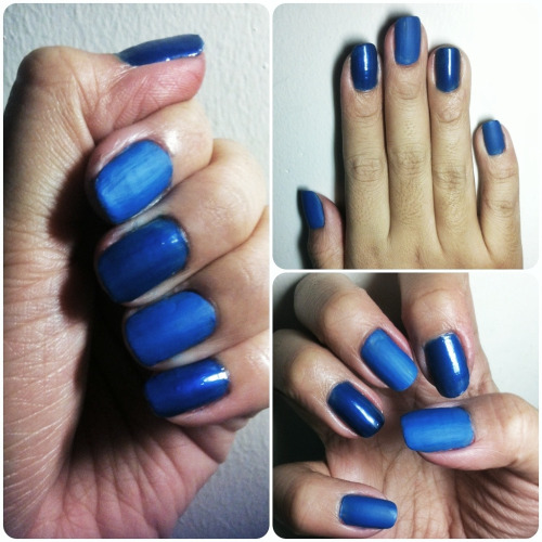 The Blues: Matte x Satin  Here's how you can keep it monochromatic but adding a playful twist with textures. For this week's claws, I had two bottles of blue — one is shiny and satiny, the other a flat matte. Alternated my nails with them and decided to skip on an accent nail. You can also just add a clear matte top coat on every other nail so that the nail color will exactly be the same. I like how some nails are velvety while the others catch light and glimmer. Subtle but fun!