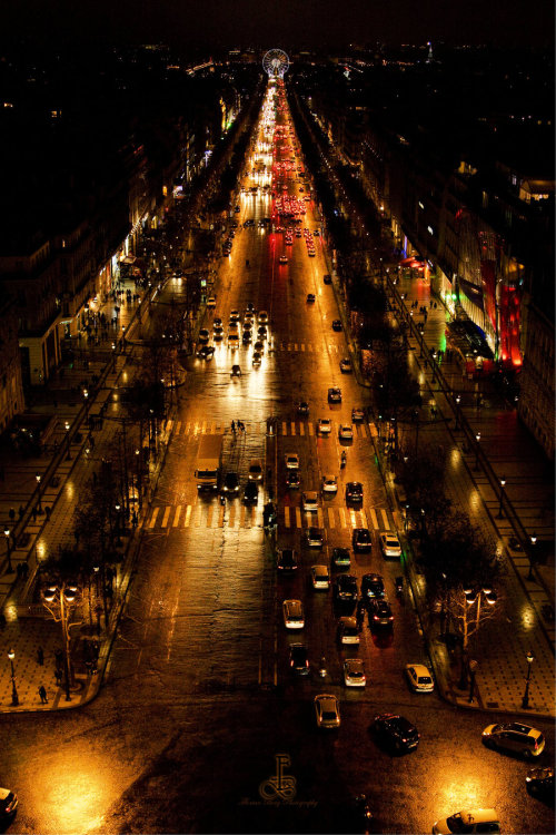 fodderforfiction:  Avenue des Champs Elysees by ~57digitalz