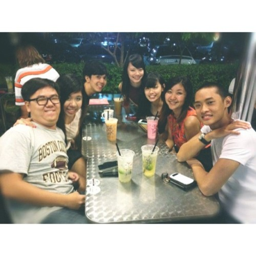 Supper with @melphin @ababajar @legohh @tanyanbing @yunrusng @railwaywalk!(: #whitagram #goodfriends #sg #monday #fun #food #drinks #supper #love #chill  (Taken with Instagram)