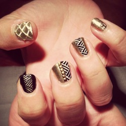 Art deco-inspired mani by LJ.