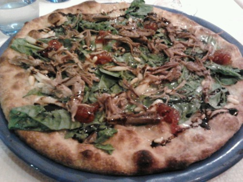saturday dinner… delicatessen pizza! confit ,pear, spinach and tomato confiture! mmmm