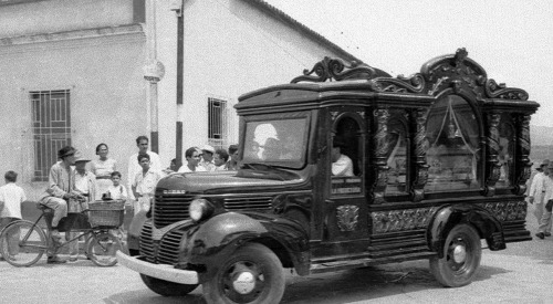 Hearses of the 1920s from Spain via Justacarguy
