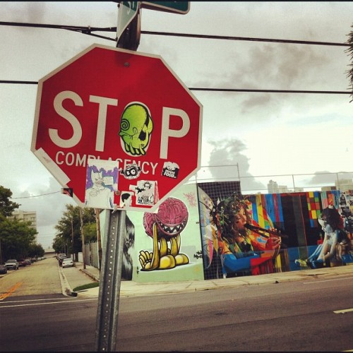 The homie #thelostcause holding it down in #wynwood #miami #tlcpdx #winstonthewhale #visualassault #vapdx #stop #sign #sticker #stickerart #streetart #miamistreetart #mural #sky  (Taken with Instagram)