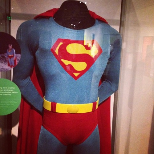 geeks-kitchen:  Christopher Reeve's costume. Gotta respect the classics. #emp #superman #seattle (Taken with Instagram at EMP Museum)