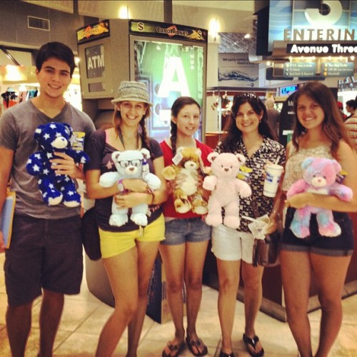 Last day and my cousins took me to Build-A-Bear! I've never done it before! (for myself) 😍😘😊😭😔❤ #mixedemotions #excited #usf #college #sad #lastday (Taken with Instagram)