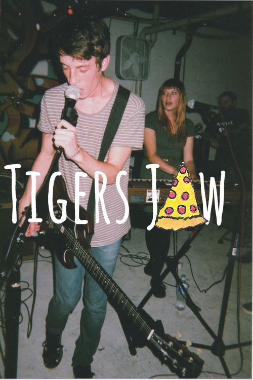 v-nsper:  tigers jaw (pizza <3)  *CRY*