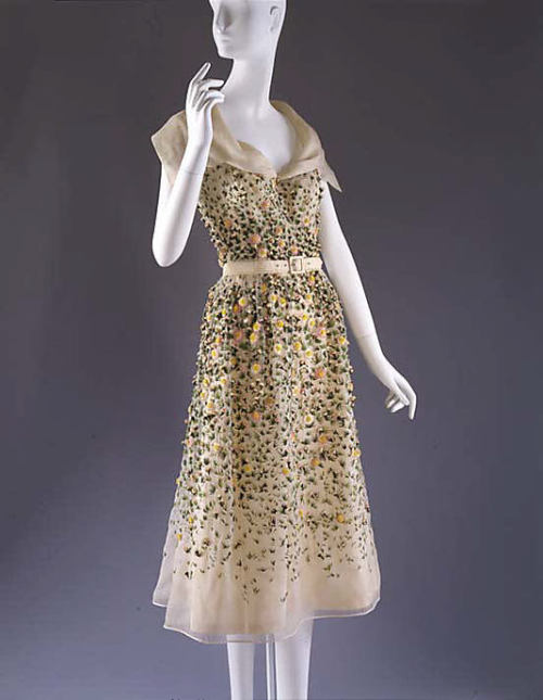 omgthatdress:  Vilmiron Christian Dior, 1952 The Metropolitan Museum of Art  100% perfection