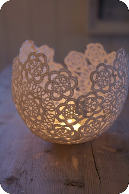 weddingkasalideas:  hang a blown up balloon from a string. dip lace doilies in wallpaper glue and wrap on balloon. once they're dry, pop the balloon and add tea light candle!  found on pinterest! amazingggg
