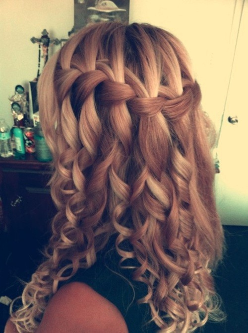 Fashion / pretty hair on We Heart It. http://weheartit.com/entry/35306448