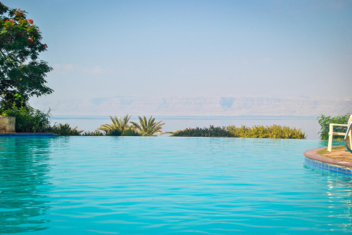 ffotography:  Infinity pool, Dead Sea.