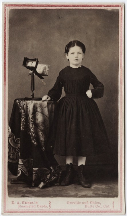 tuesday-johnson:  ca. 1855-95, [carte de visite portrait of a young girl with a steroscope], Edward Abraham Kusel via the Yale Collection of Western Americana, Beinecke Rare Book and Manuscript Library, Carl Mautz Collection