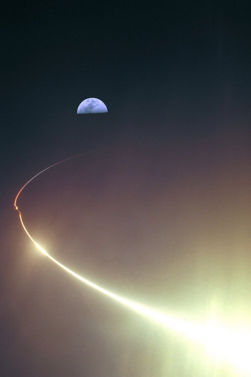NASA's Lunar Prospector spacecraft is launched from Kennedy Space Center on January 6, 1998.(NASA Commons)