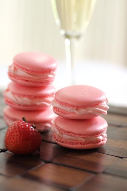 pink champagne macarons.