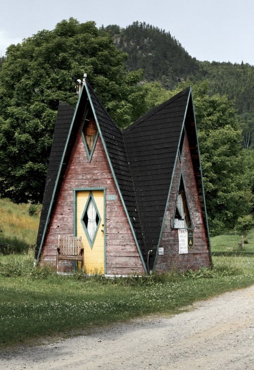 Happy home. A-Frame, Sainte-Rose du Nord, Québec, Canada.