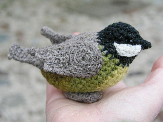 Crochet Titmouse Amigurumi Omg.  This is amazing work.  Found via Knithacker.com  Made and shared by Agnieszka Nowak aka Lalinda.pl.