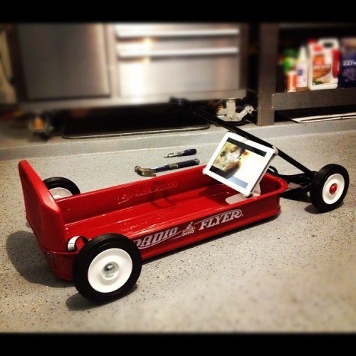 #radioflyer #redwagon #wagon #hellaflush #slamed #slam #ipad #ipad2 (Taken with Instagram)