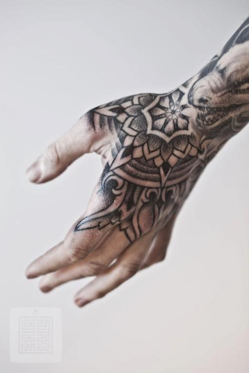 your-body-is-a-canvas:  Thomas Hooper @ Saved Tattoo
