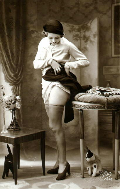 maudelynn:  French Naughty 1920s Postcard