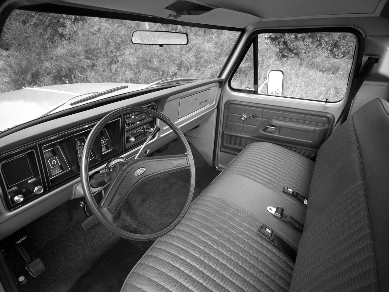 1977 Ford F-100 Custom. Hanging out for the come-back of bench seats!