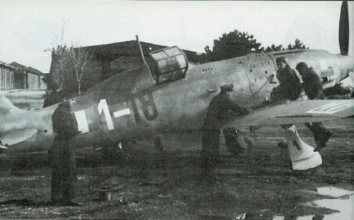 A Macchi MC.205 Veltro (greyhound) being serviced by ground crew of the Aeronautica Nazionale Repubblicana (the Fascist Italian air force formed after the downfall of Mussolini in 1943).